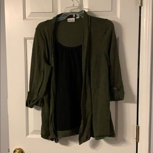 Army green and black 3/4 sleeve shirt